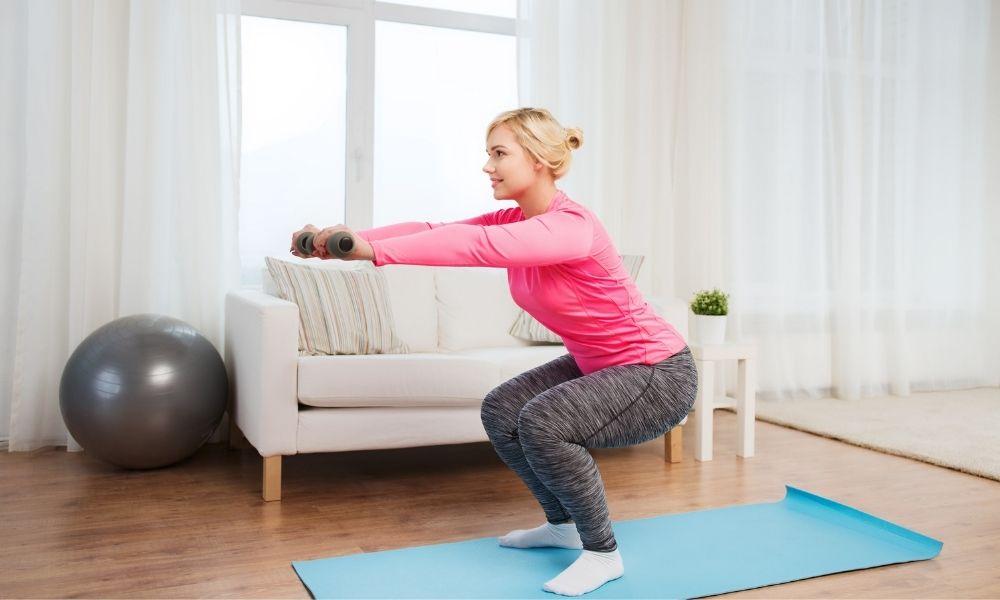 allenamento glutei a casa: gli squat